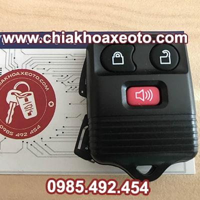 chia khoa remote ford escape chinh hang-chiakhoaxeoto