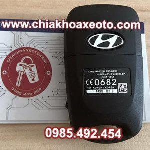 chia khoa remote hyundai i20 i30 gap 3 nut mat sau-chiakhoaxeoto.com