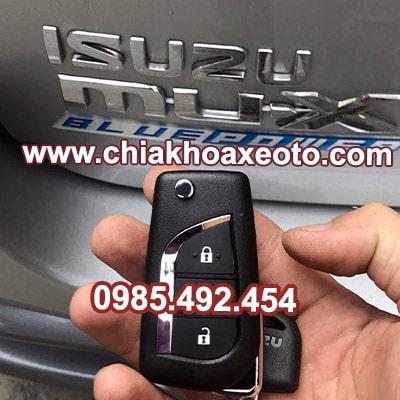 chia khoa remote isuzu mux-chiakhoaxeoto.com