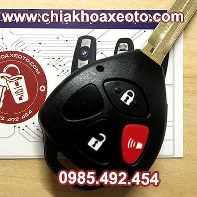 chia khoa remote toyota rav4 3 nut chinh hang-chiakhoaxeoto