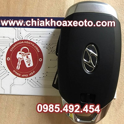 chia khoa thong minh smartkey huyndai kona mat sau-chiakhoaxeoto.com