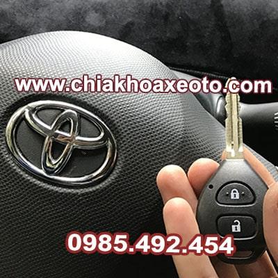 chia khoa remote toyota vios 2006-2015 chinh hang-chiakhoaxeoto.com