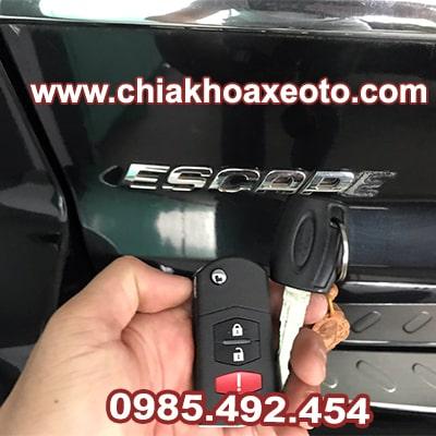 chia khoa remote ford escape-chiakhoaxeoto