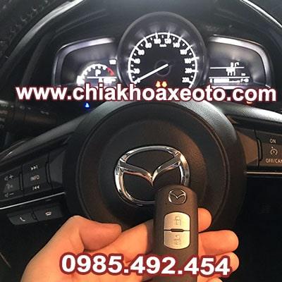 chia khoa thong minh mazda 2 hatchback chinh hang-chiakhoaxeoto.com