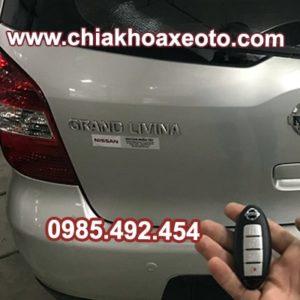 chia khoa thong minh nissan grand livina-chiakhoaxeoto.com