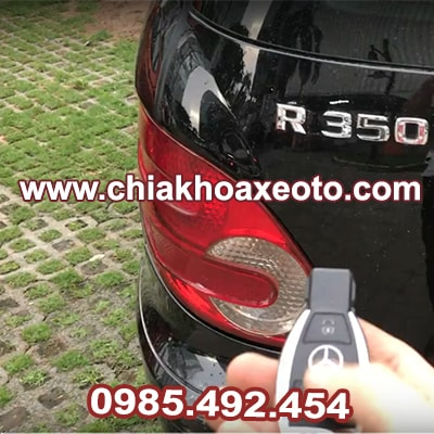 chia khoa remote mercedes r350 2009-chiakhoaxeoto